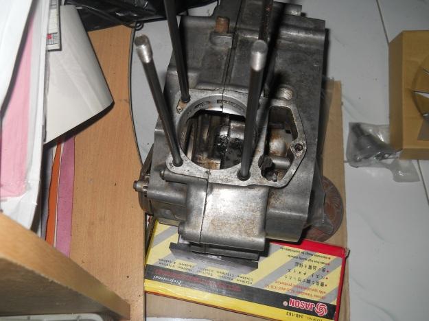 crank-case CB setelah di colter dan dipasang baut tusuk sate panjang