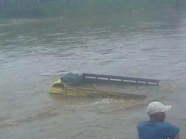 jam 07:30...truk sudah tenggelam