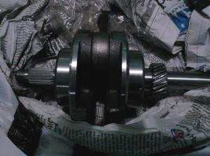 Kruk as CG 200 siap dibenamkan sebagai jantung mesin