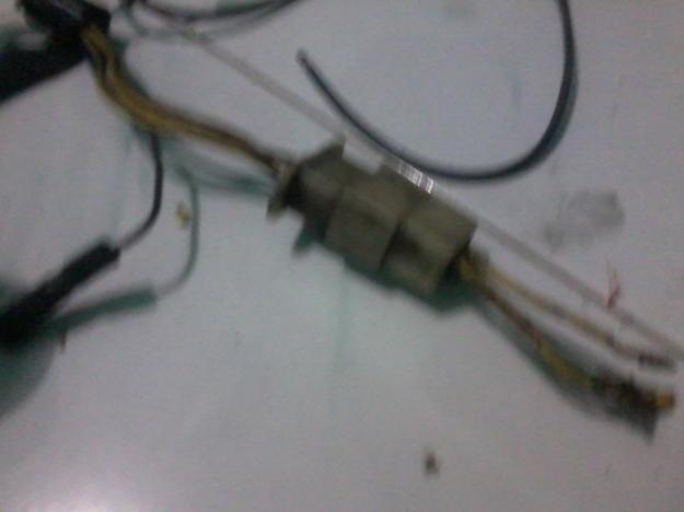 soket kabel...kunci perkabelan rapi...10ribu sepasang...carinya yang setengah mateng