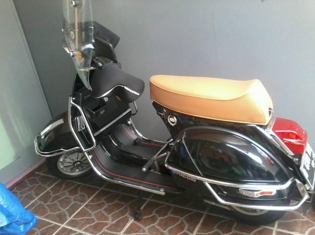 vespa px versi terakhir yang dijual di indonesia...scooter langka
